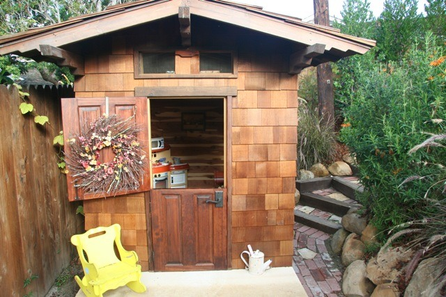 Great Playhouse Dutch Door Playhouse Dutch Door 640 X 427 · 114 KB · Jpeg